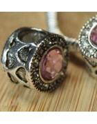 Perles en métal et strass