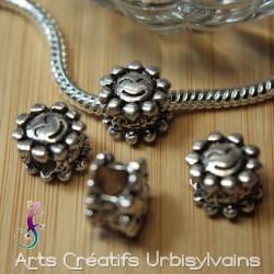 Perle européenne en métal...