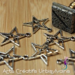 Breloque étoiles en métal...