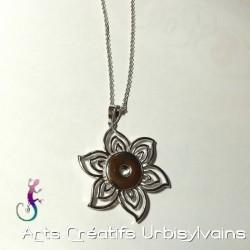 Collier pendentif fleur...